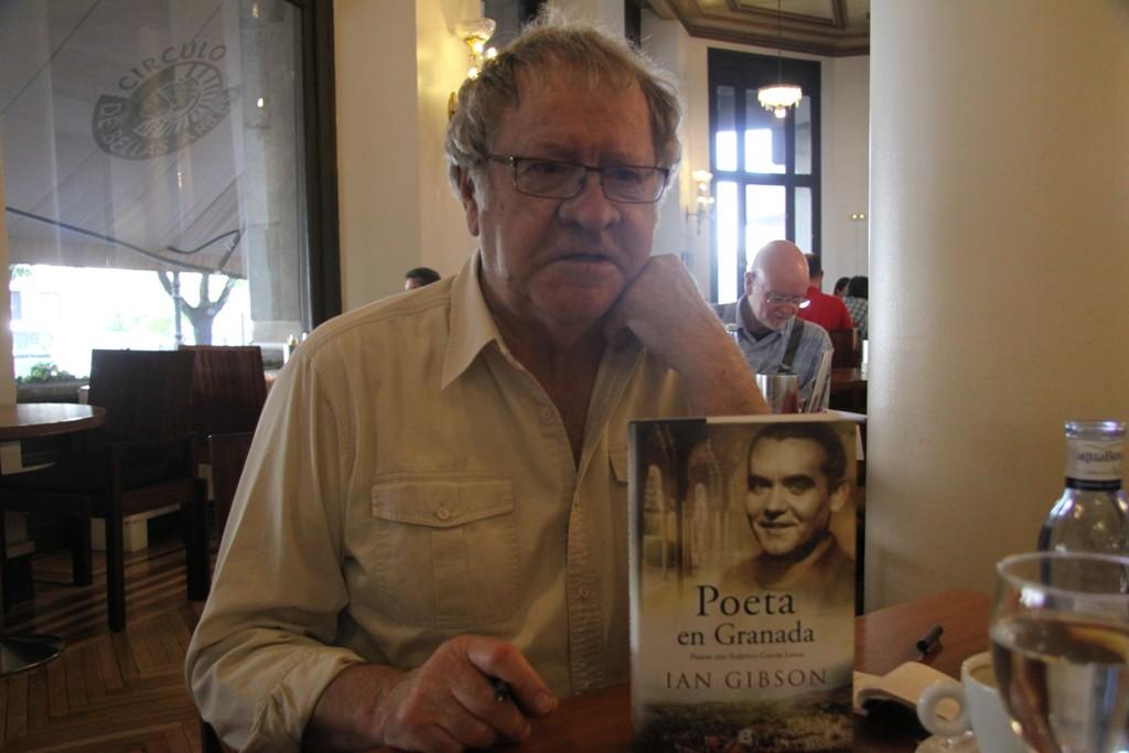 """Entrevista a Ian Gibson, autor de """"Poeta en Granada"""""""