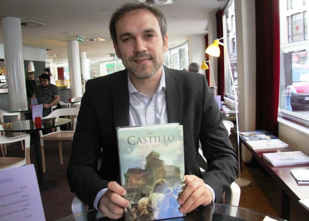 """Entrevista a Luis Zueco, autor de """"El castillo"""""""