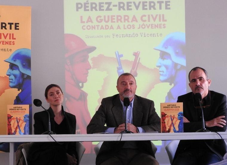 Pilar Reyes, Arturo Pérez-Reverte y Fernando Vicente