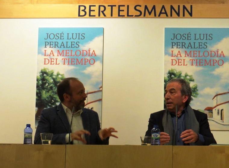 Alberto Marcos, editor de Plaza & Janés y José Luis Perales