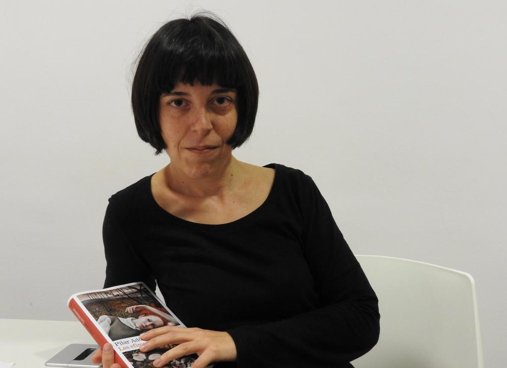 """Entrevista a Pilar Adón, autora de """"Las efímeras"""""""