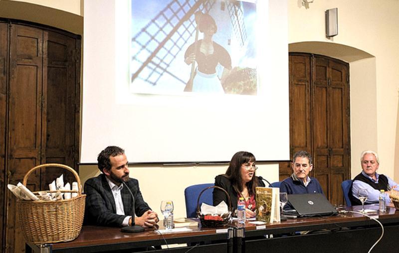 Nieves Fernández presentó en Ciudad Real