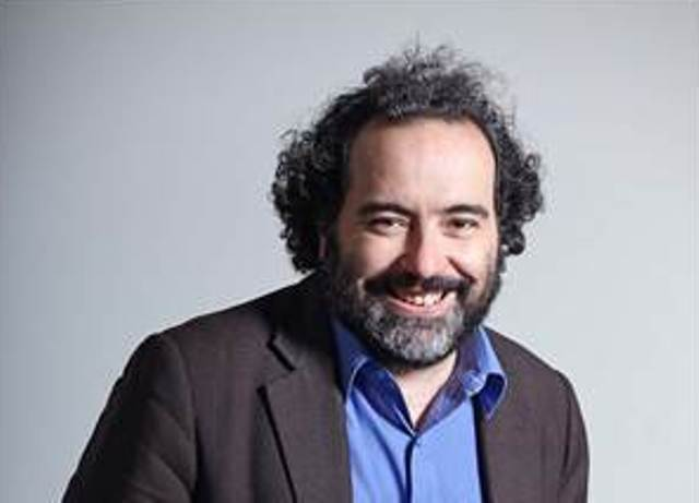 El escritor chileno Rafael Gumucio publica