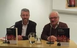 David Tr�as, editor de Plaza & Jan�s, y Javier Reverte