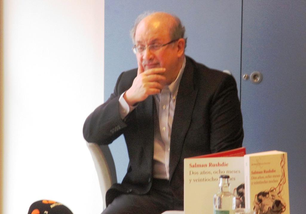 """Salman Rushdie visita España para presentar su último libro, """"Dos años, ocho meses y veintiocho noches"""""""
