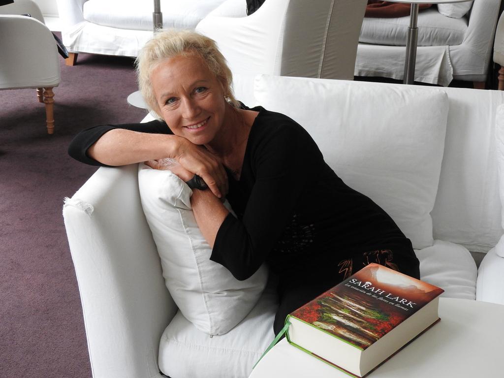 """Entrevista a Sarah Lark, autora de """"La estación de las flores en llamas"""""""