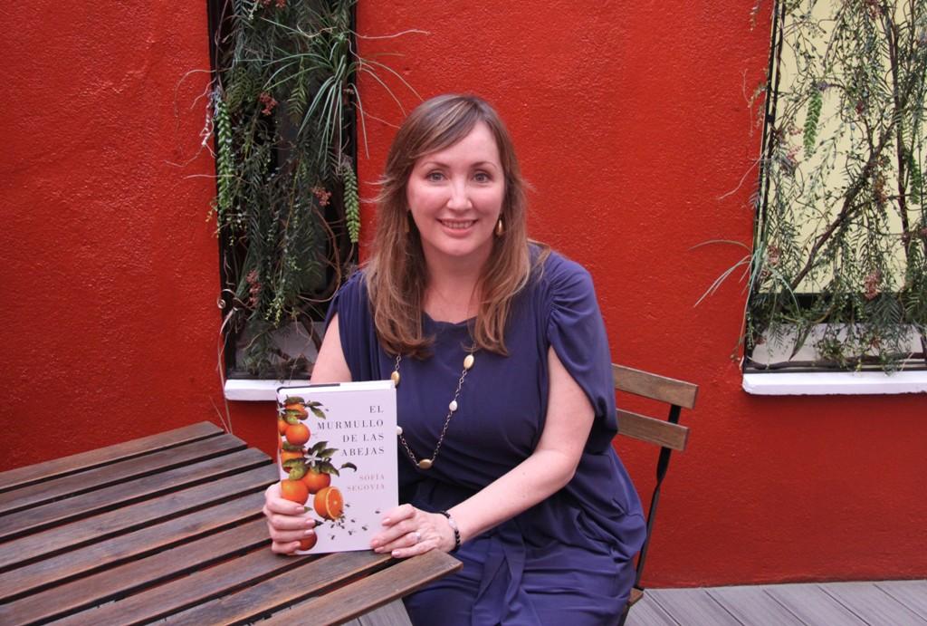 """Entrevista a Sofía Segovia, autora de """"El murmullo de las abejas"""""""