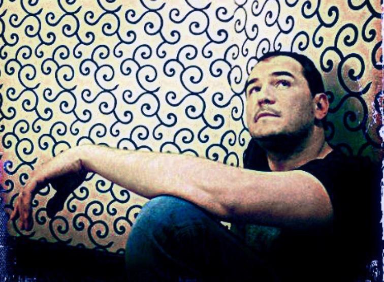 """El cantautor Ismael Serrano publica su primer poemario """"Ahora que la vida"""""""