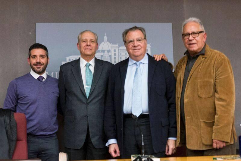 """Ya está a la venta """"Cántico de disolución"""" la antología poética más reciente de Jaime Siles"""