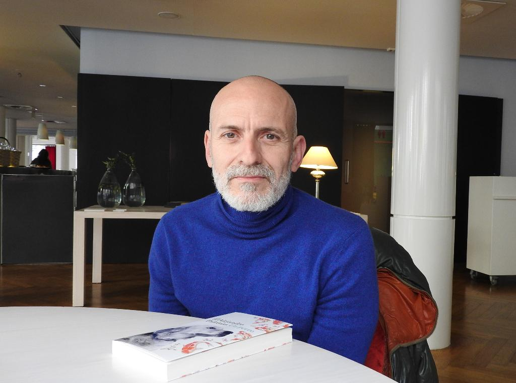 """Entrevista a Alejandro Palomas, autor de """"Un perro"""""""