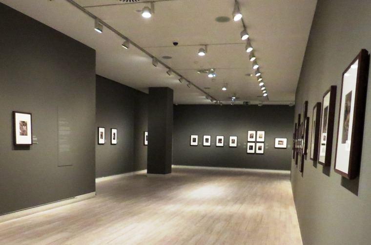 Vista de la exposición de Julia Margaret Cameron