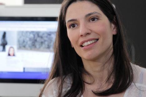 """Elena Neira publica """"La otra Pantalla"""", un estudio sobre las redes sociales, móviles y la nueva televisión que vienen"""