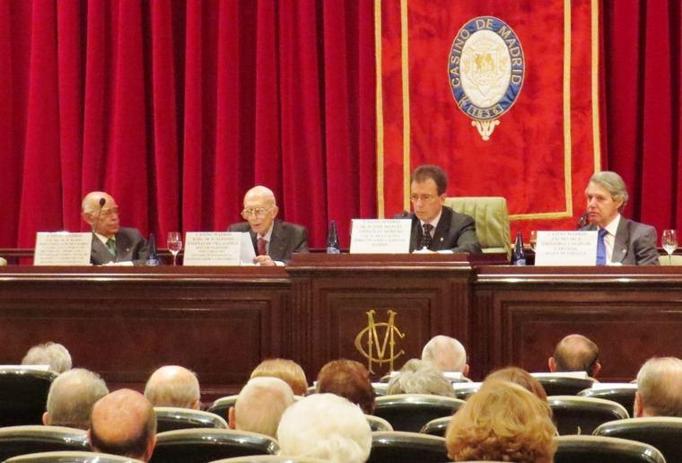 Mario Hernández Sánchez- Barba; Alfonso Enseñat de Villalonga; José Manuel González Moreno y Cristóbal Colón de Carvajal, Duque de Veragua
