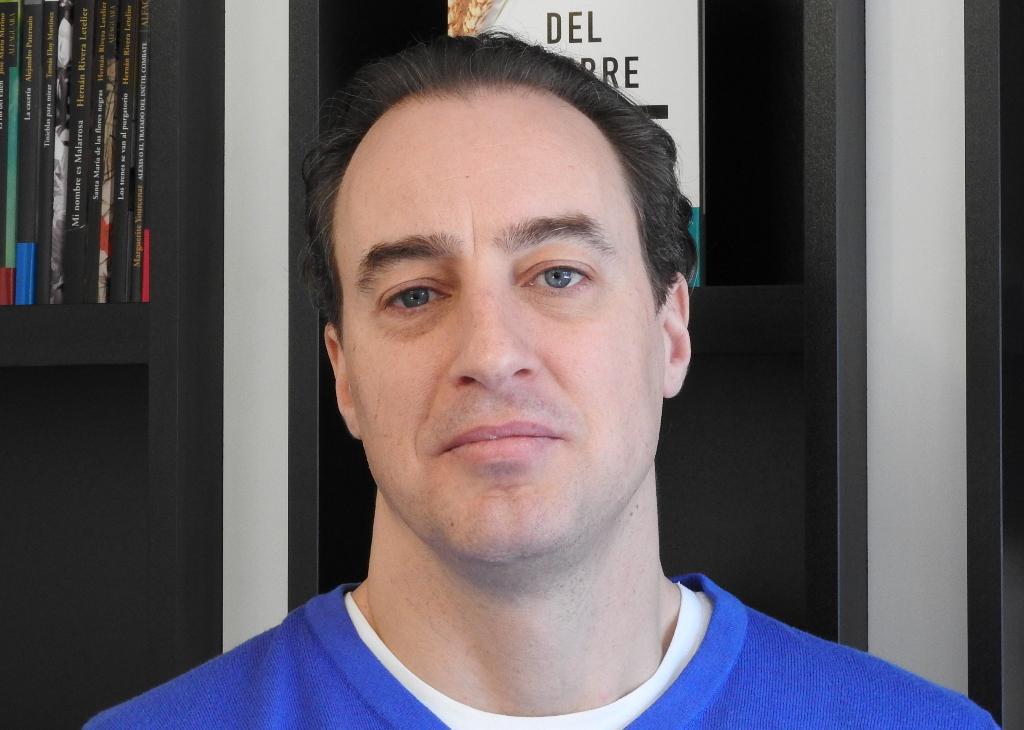 """Entrevista a Ignacio del Valle, autor de """"Soles negros"""""""