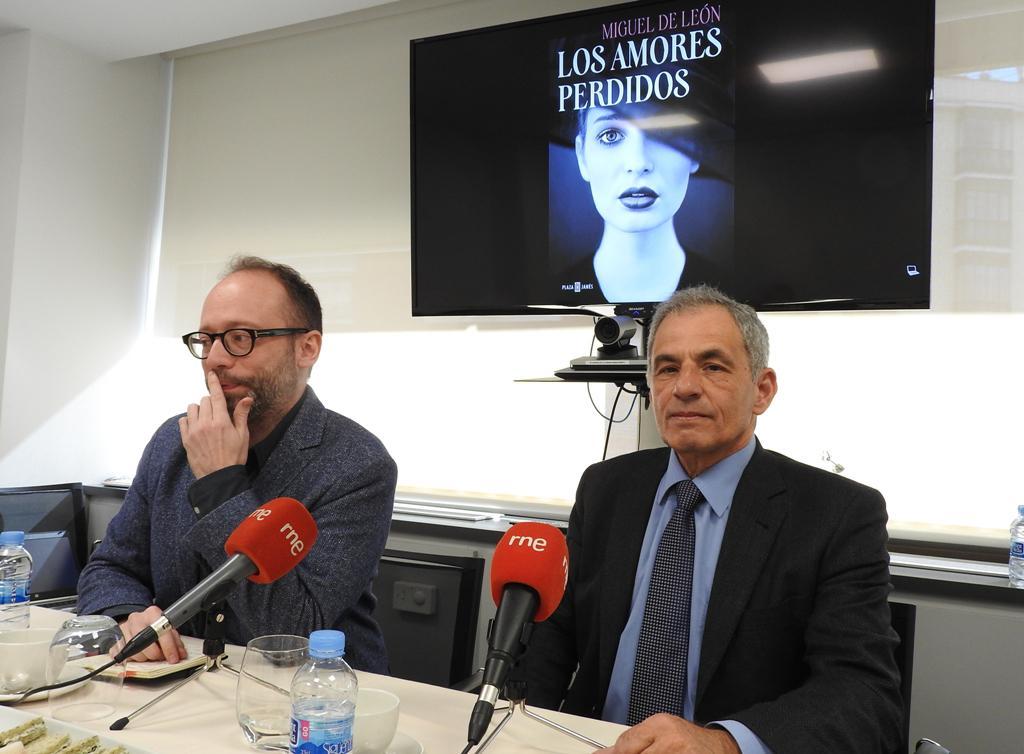 """El neófito Miguel de León presenta su novela """"Los amores perdidos"""""""