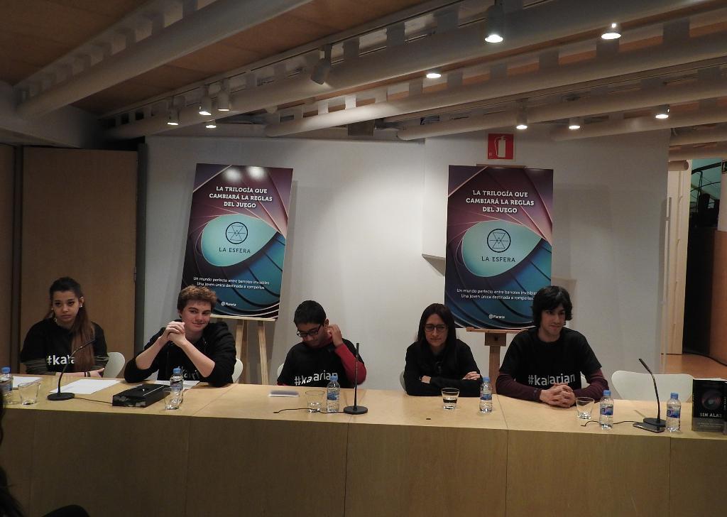"""Planeta presenta """"La Esfera"""", la trilogía que va a cambiar la literatura juvenil"""