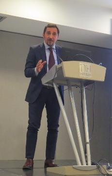 Giovanni Aricò, director gerente de la Cámara de Comercio e Industria italiana para España, que presentó y coordinó el acto
