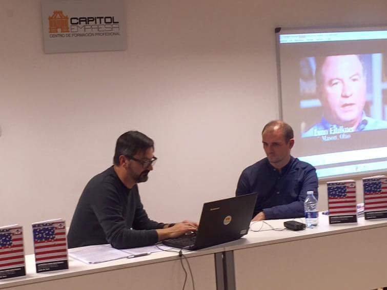 Javier M. Tarín en la presentación del libro