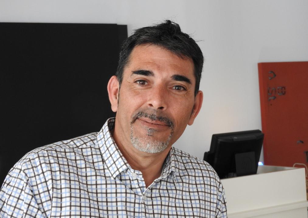 """Entrevista a Víctor del Árbol, autor de """"La víspera de casi todo"""""""