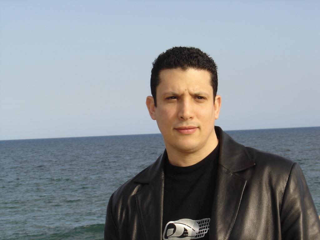 El cubano Vladimir Hernández gana la 10ª edición del Premio de Novela Negra L'H Confidencial