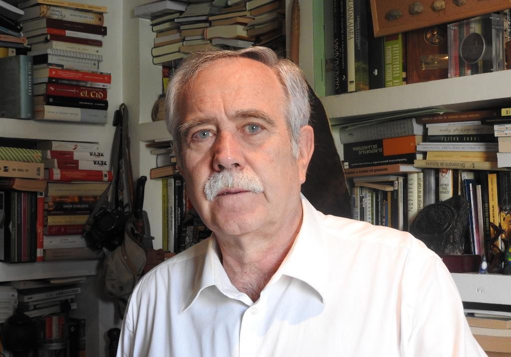 """Entrevista a Antonio Pérez Henares, autor de """"El Rey Pequeño"""""""