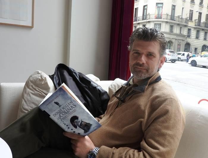"""Entrevista a Francisco Narla, autor de """"Donde aúllan las colinas"""""""