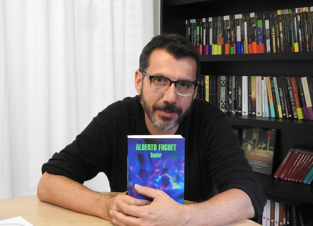"Entrevista a Alberto Fuguet, autor de ""Sudor"""