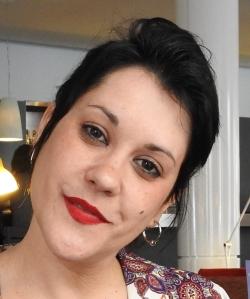 """Entrevista a Irene G Punto, autora del poemario """"Carrete velado"""""""