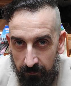 """Entrevista a Javier Calvo, autor de """"El fantasma en el libro"""""""