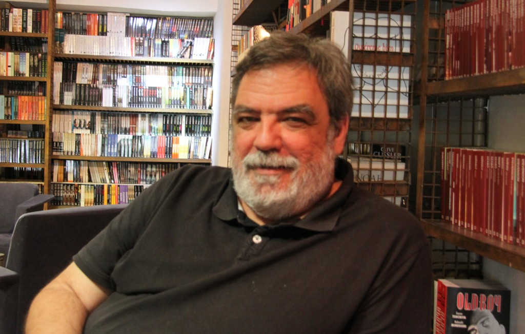 """Entrevista a Jorge Díaz, autor de """"Tengo en mí todos los sueños del mundo"""""""