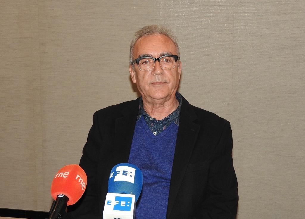 "Juan José Millás presenta ""Desde la sombra"", novela donde se enfrenta a sus miedos infantiles"