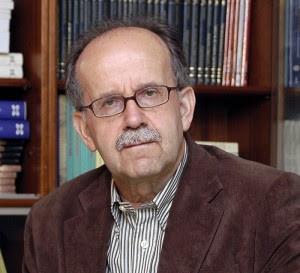 Fallece el escritor Agustín Fernández Paz