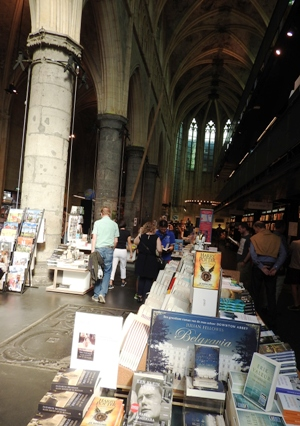 Interior de la librería Boekhandel Dominicanen