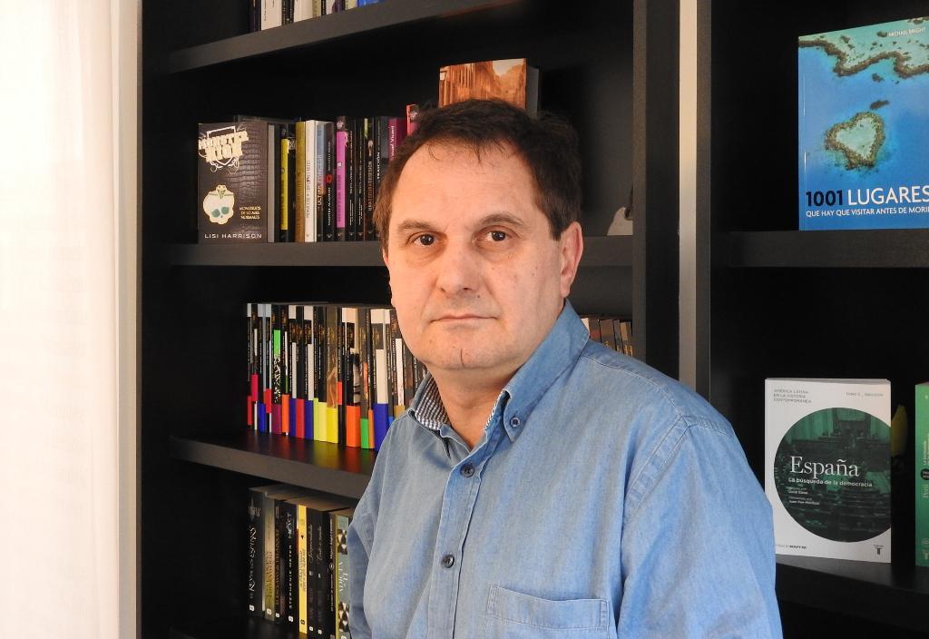 """Entrevista a Carlos Suárez, autor de """"Una mujer en Pigalle"""""""