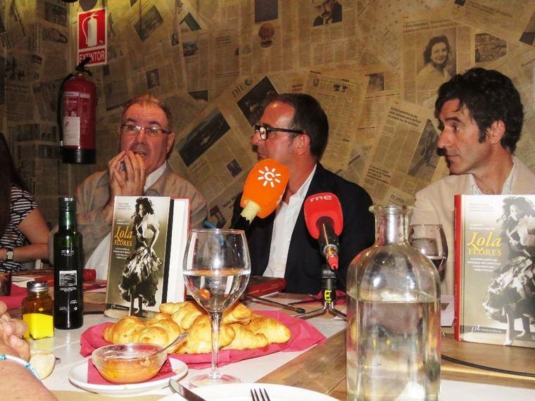 De izquierda a derecha, Andrés Peláez, Alberto Romero Ferrer e Ignacio Garmendia.