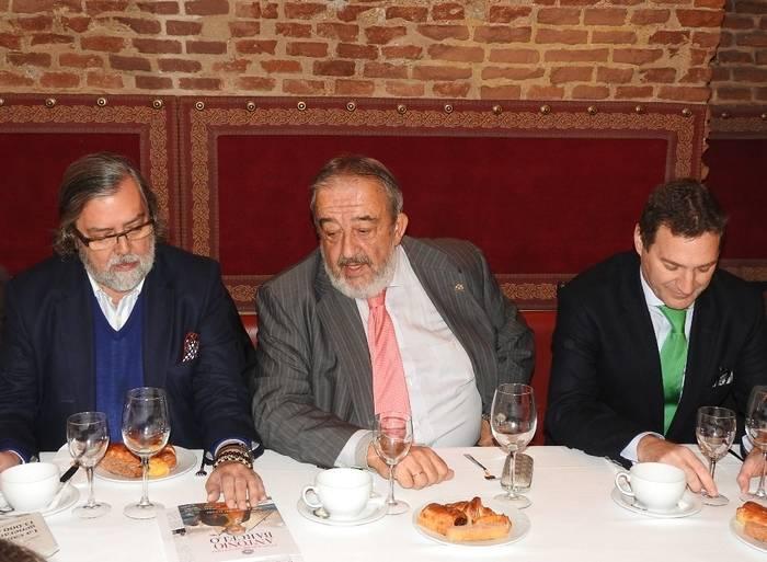 Ram�n Pernas, Agust�n Rodr�guez Gonz�lez