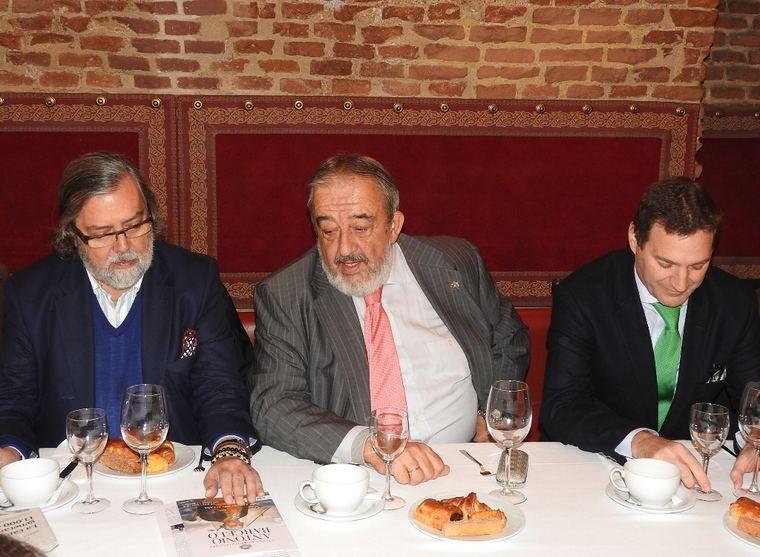Ramón Pernas, Agustín Rodríguez González