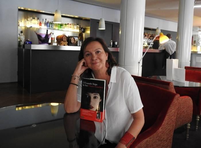 """Entrevista a Clara Sánchez, autora de """"Cuando llega la luz"""""""