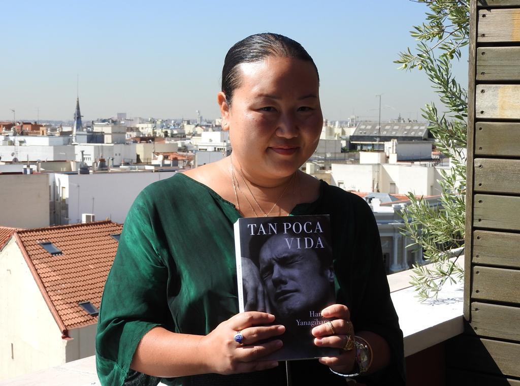 """Entrevista a Hanya Yanagihara, autora de """"Tan poca vida"""""""