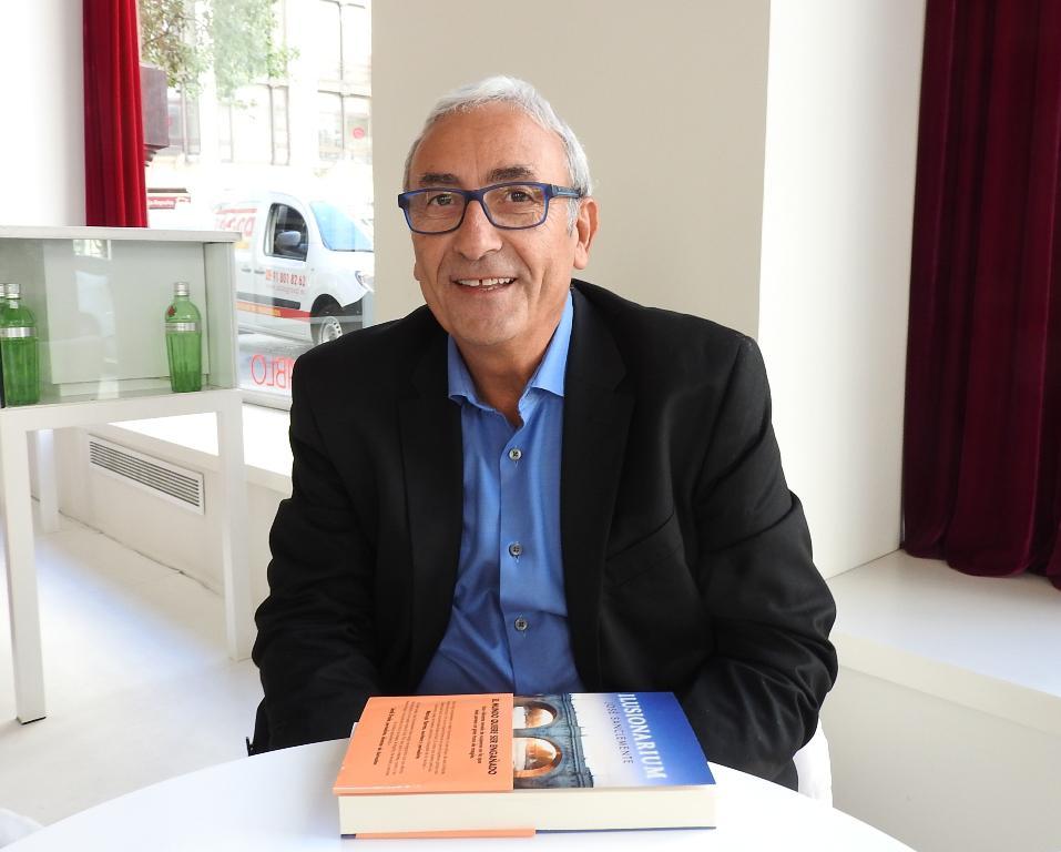"Entrevista a José Sanclemente, autor de ""Ilusionarium"""