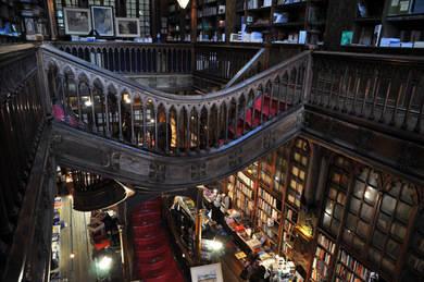 Interior de la librería Lello de Oporto