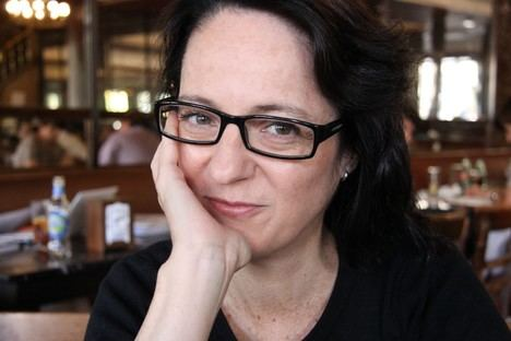 Marta Sanz analiza la educación sentimental de la Transición española en