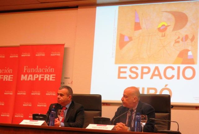 A la derecha, el director de Cultura de Fundación MAPFRE, Pablo Jiménez Burillo, junto al profesor y Director de la New York University en Madrid, Robert Lubar Messeri