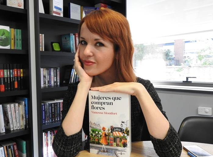 """Entrevista a Vanessa Montfort, autora de """"Mujeres que compran flores"""""""