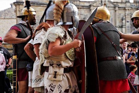 """Romanos y galos en la """"Guerra de las Galias"""", en el Certamen Internacional de Novela Histórica"""