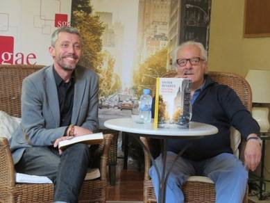 David Tr�as, editor de Plaza & Jan�s, y Javier Reverte