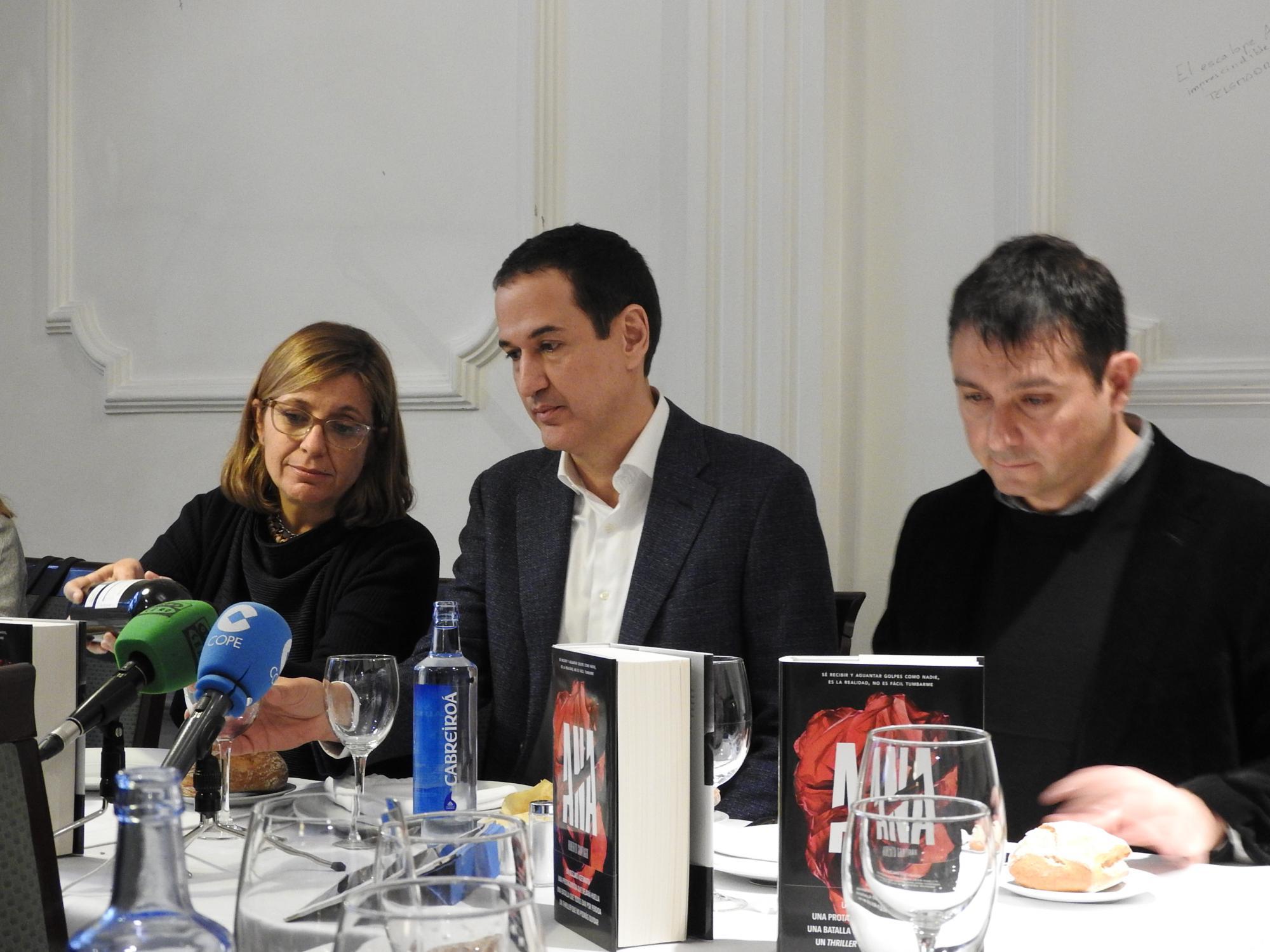 """Roberto Santiago presenta su thriller """"Ana"""", la gran apuesta de Planeta para esta primavera"""