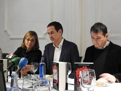Belén López, Roberto Santiago y Javier López