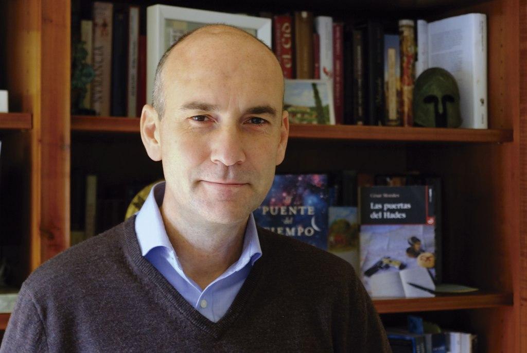 """Entrevista a César Morales, autor de """"Las puertas del Hades"""""""