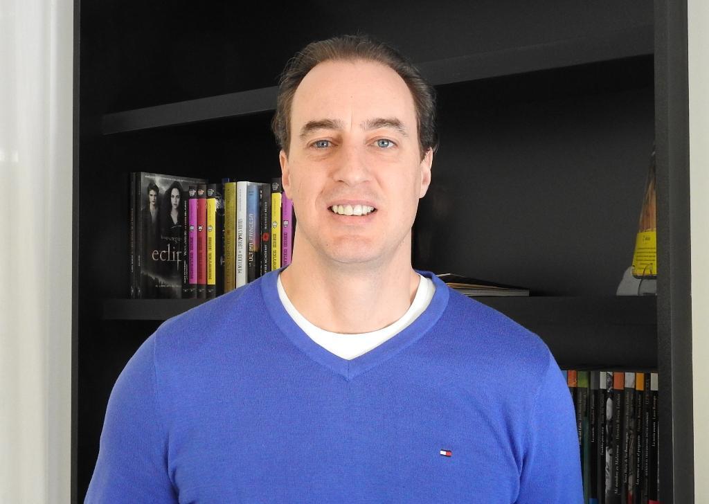 Ignacio del Valle publica